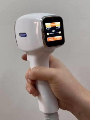 لیزر حذف موهای زائد لیزر 4 طول موج تیتاینوم یانی طب لیزر
